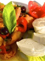 BUFFALO MOZZARELLA WITH ROASTED PEPPERS | www.4hourbodygirl.com