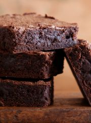 "HIGH PROTEIN, LOW CARB, HEALTHY ""BROWNIE"" DESSERT 