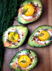SMOKED SALMON EGG STUFFED AVOCADOS| www.4hourbodygirl.com