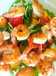 EASY, 5 MINUTE, LOW-CARB SHRIMP & PEACH SALAD| www.4hourbodygirl.com