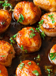 SRIRACHA GLAZED SEARED SCALLOPS| www.4hourbodygirl.com