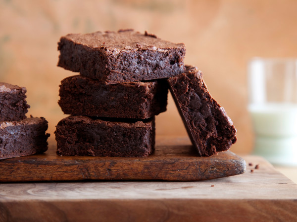 High Protein, Low Carb, Healthy Brownie Dessert| www.4hourbodygirl.com