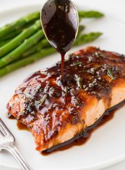 Balsamic Glazed Salmon | www.4hourbodygirl.com