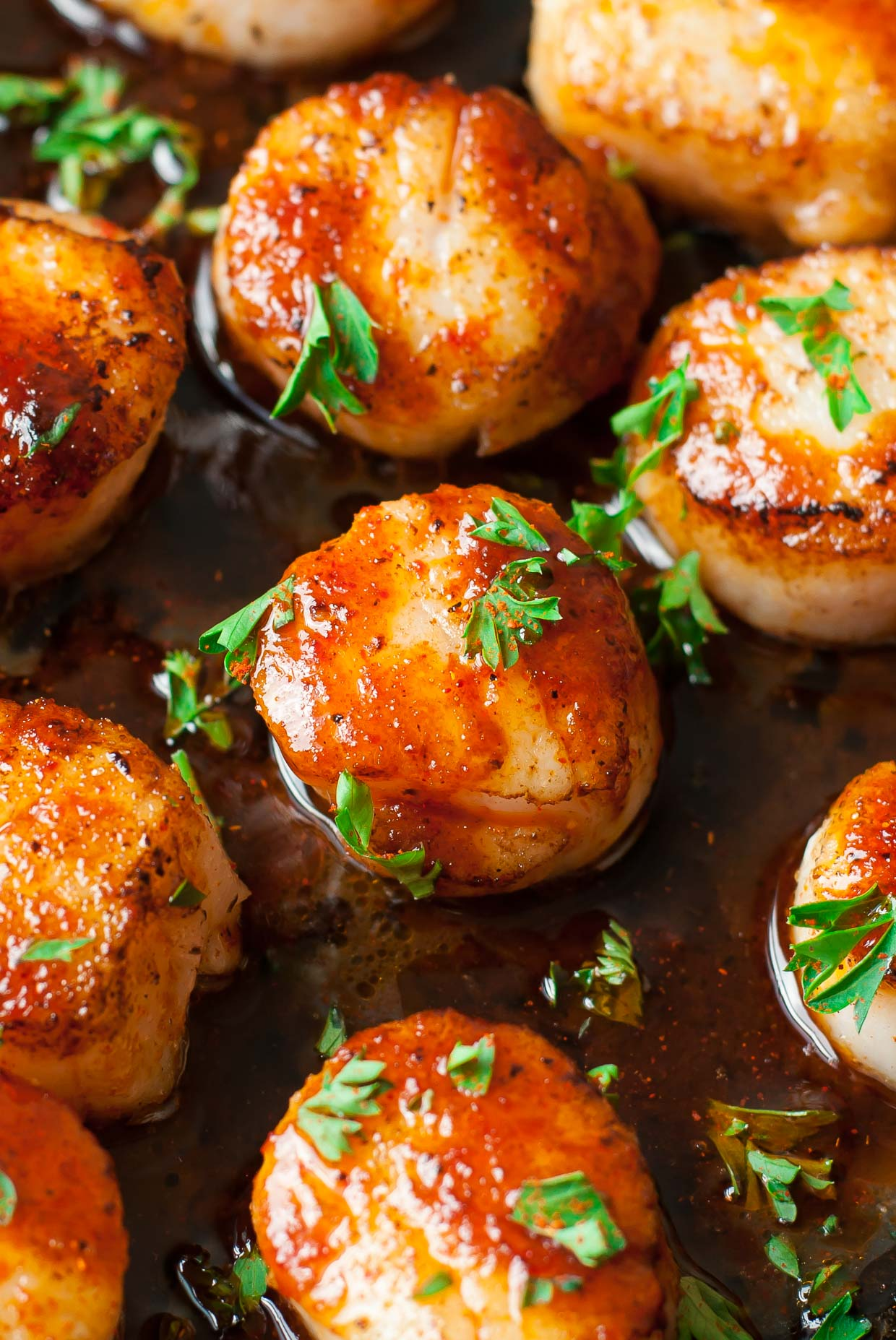 sriracha-seared-scallops-recipe-PEASandCRAYONS-0822
